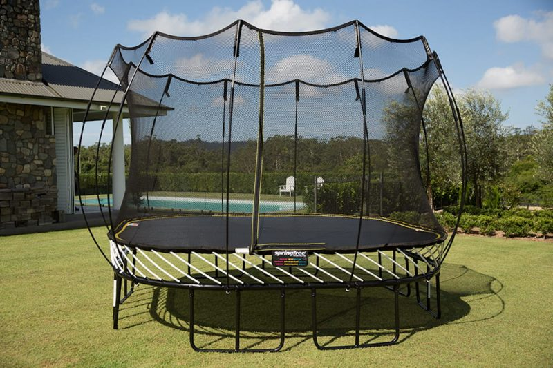 Springfree Trampoline 11 x 11 ft. Large Square, Model S113